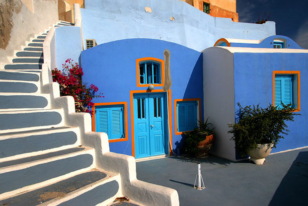 (EN) Paros Cyclades Greece House With Swimming Pool You Can Look Into From Inside The Home