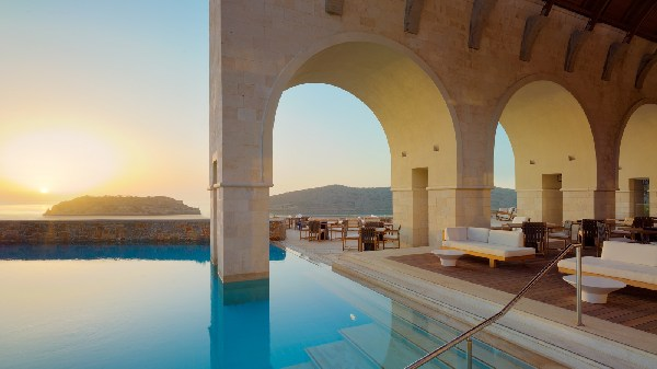 Greece Shines In Condé Nast Traveler's Readers' Choice Awards 6