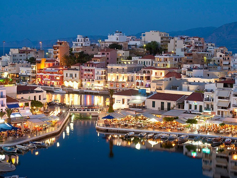Greece Shines In Condé Nast Traveler's Readers' Choice Awards 1