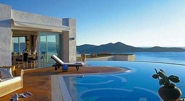 House price falls worsen in Greece and Spain
