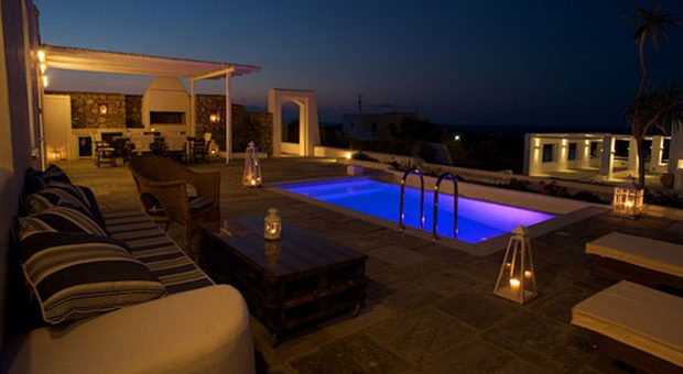 Greece Aims To Attract Upscale Tourists
