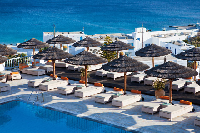 It is actually possible to have a great holiday in the Greek islands while spending virtually nothing by looking out for a holiday at an all-inclusive resort.