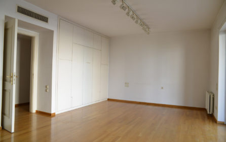 18. 3rdF Luxury Flat 2nd Bedroom