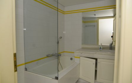 23. 3rdF Luxury Flat 2nd Bathroom
