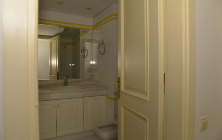 24. 3rdF Luxury Flat 2nd Bathroom
